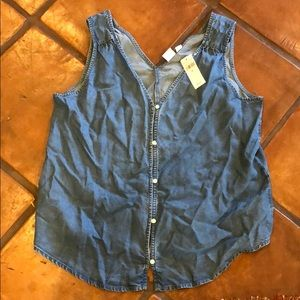 Gap denim sleeveless button down shirt Medium